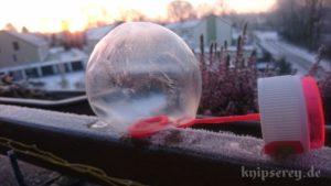 gefrorene Seifenblase auf Puste-Ring