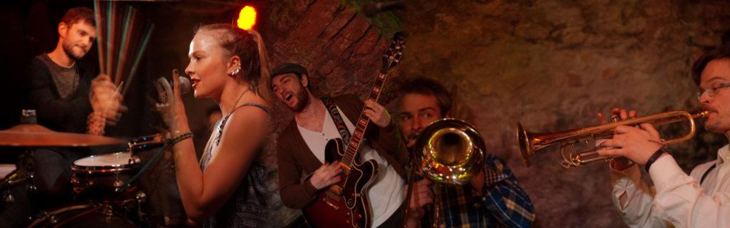 [2015-05-28] Anna Partué & The Soul Age Band im Rosenkeller Jena